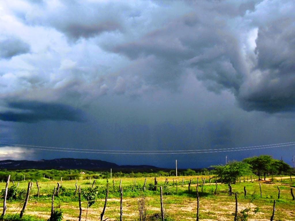 Virada do ano poderá ter pancadas de chuva em Malhada de Pedras e região