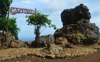 http://www.teluklove.com/2017/05/destinasti-objek-wisata-watu-goyang-di.html