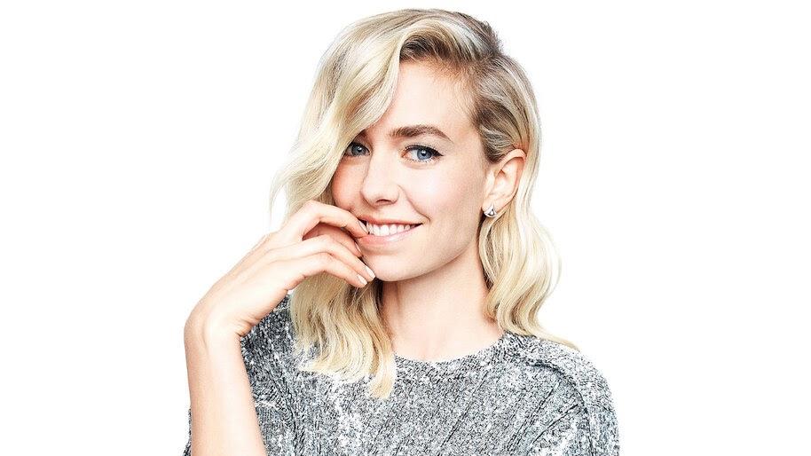 Vanessa Kirby, Smile, 4K, #4.2657