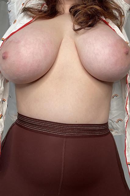 Bury In Curvy Girl Big Boobs Naked Shot 1