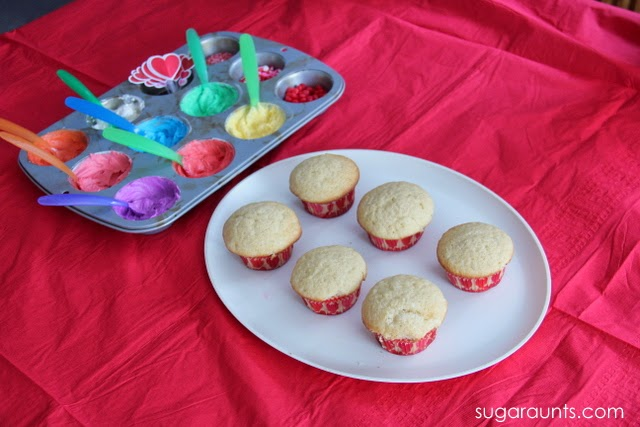 decorating cupcakes with icing