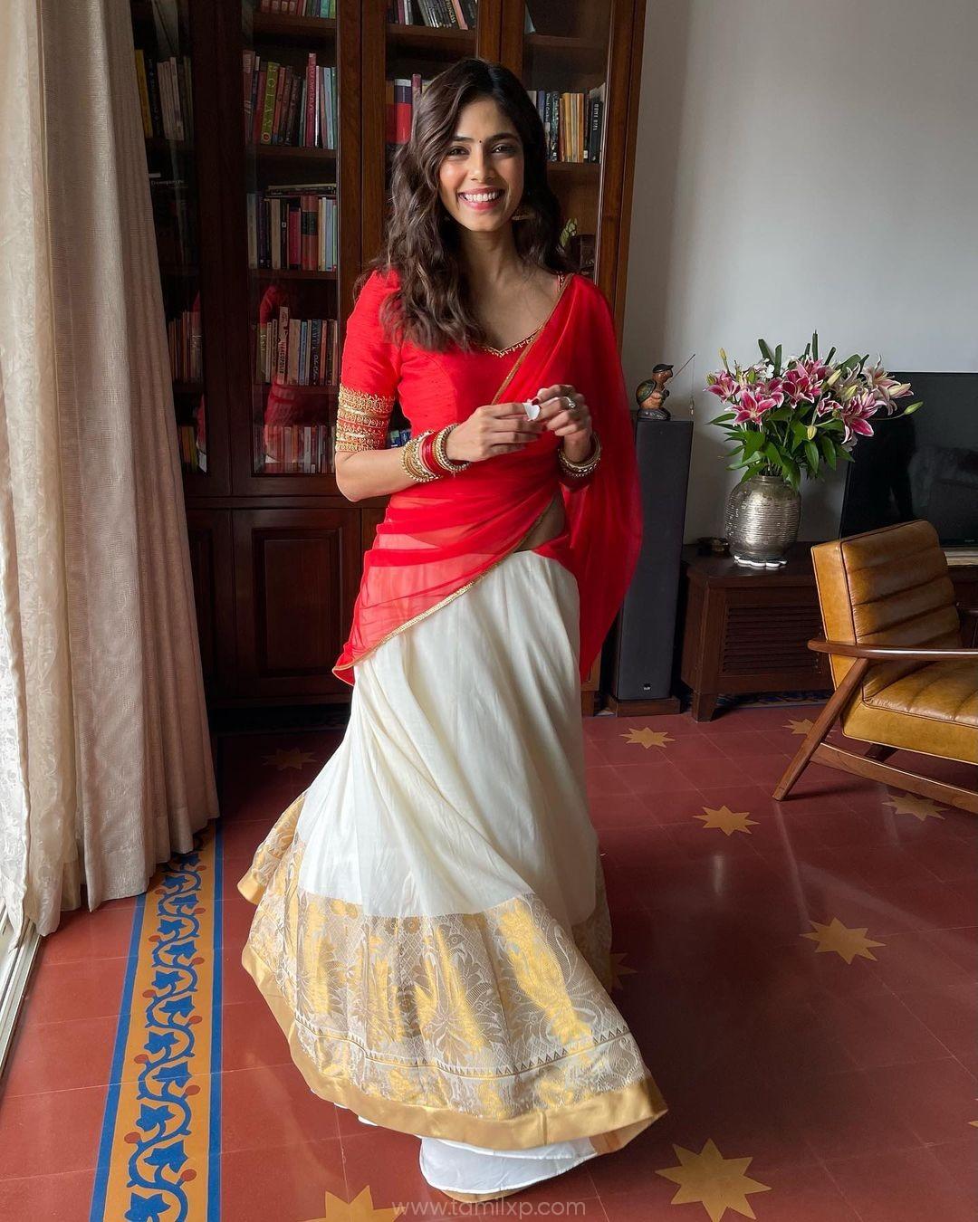 Actress Malavika Mohanan charming photos