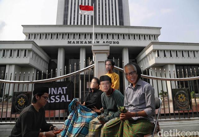 Meringankan Hukuman Koruptor, MA Dianggap Tak Serius Basmi Korupsi