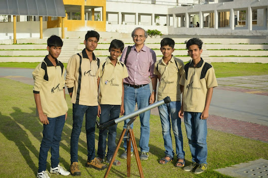 Student with Prof Jayant Murthy