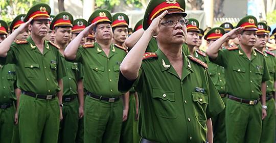 Sĩ quan công an được kéo dài thời gian làm việc tới 70 tuổi