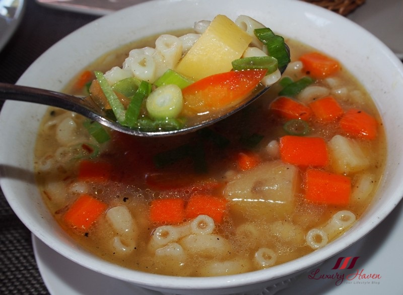 bintan lagoon resort haskells cafe review macaroni soup