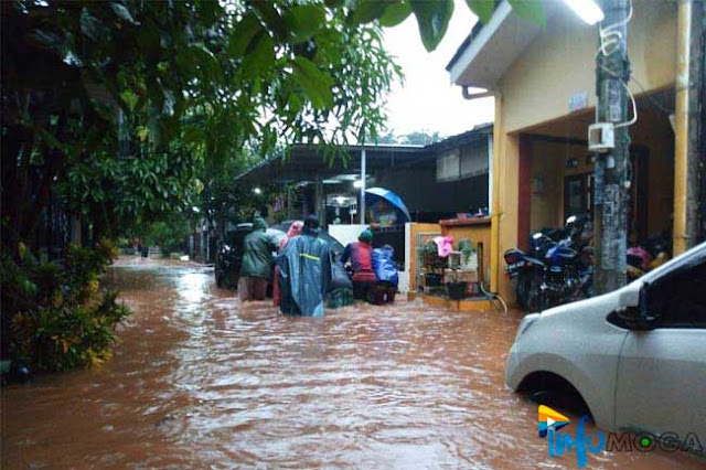Banjir di Jatiasih, Kota Bekasi  (Infomoga/Fatikhin)