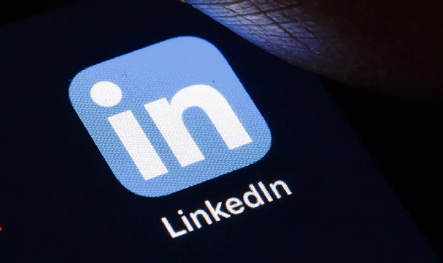 LinkedIn usage of iOS clipboard