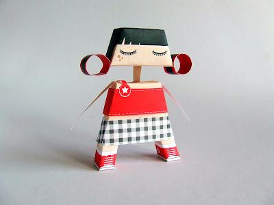 Tita paper toy