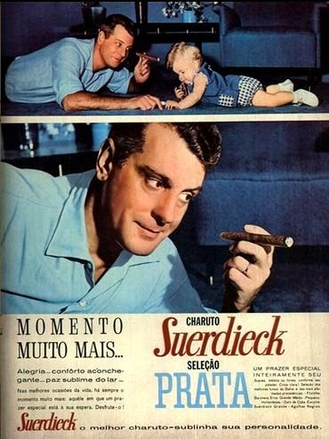 Propaganda onde um pai fumava junto com seu filho bebê. Suerdieck em 1962.