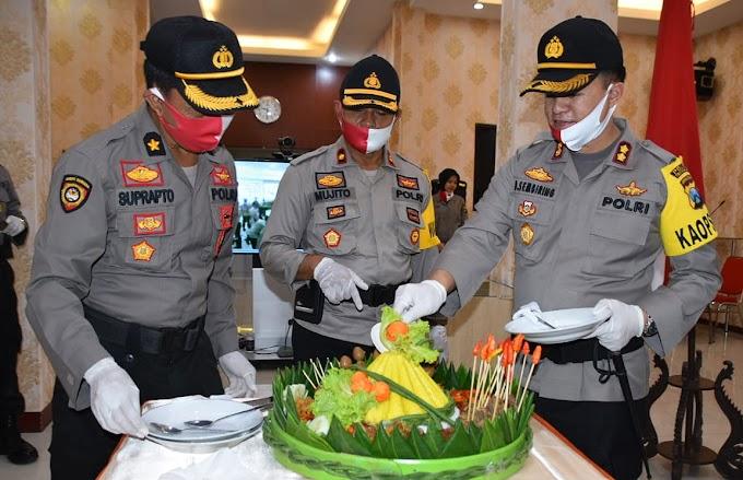 Hari Bhayangkara ke-74, Sebanyak 42 Personel Polres Trenggalek Naik Pangkat