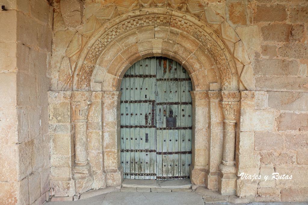 Portada de la Iglesia de San Vicente, Vega de Bur