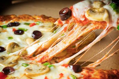 امزج بيتزا الجبن