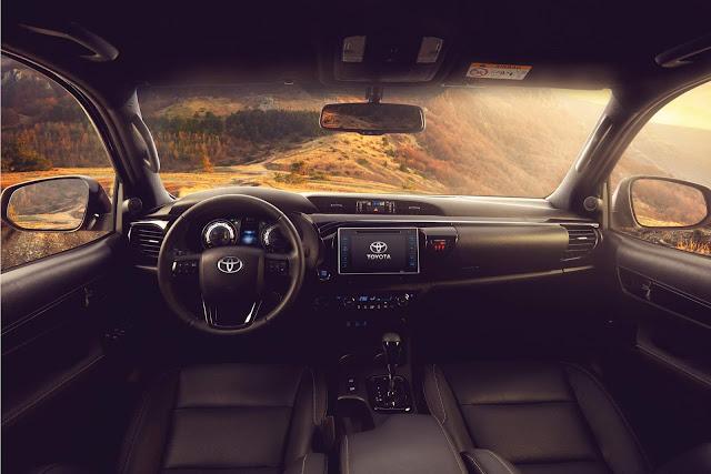 Toyota Hilux 2019 - interior