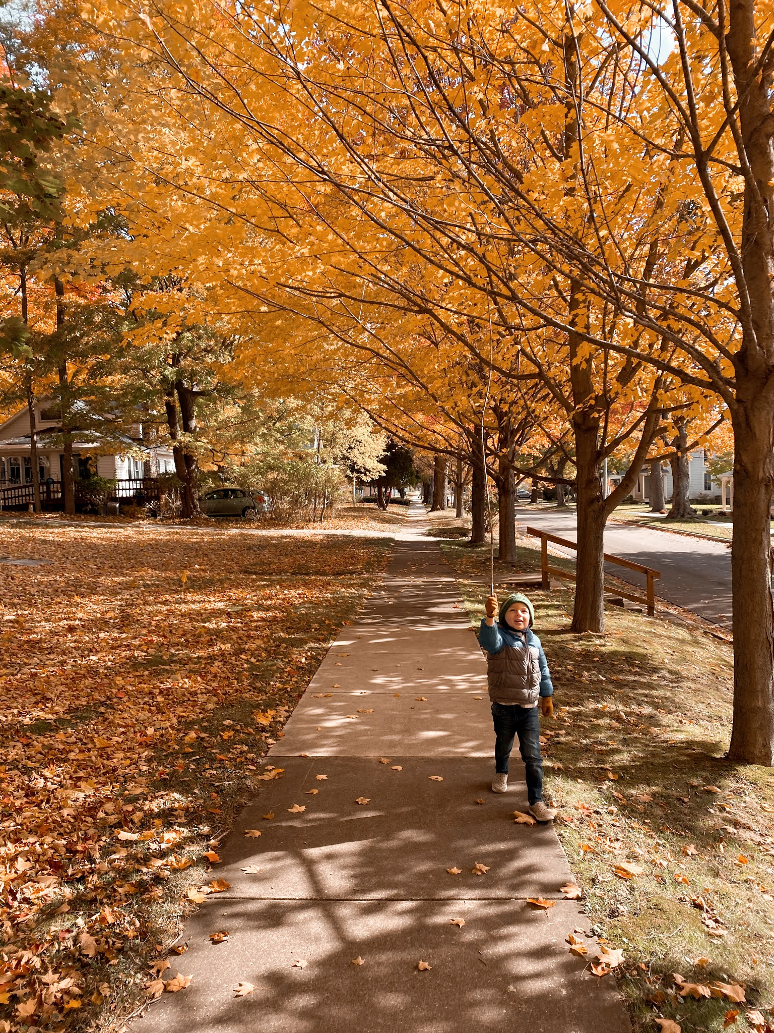 Taking a Walk in Frankfort, Michigan in October | biblio-style.com