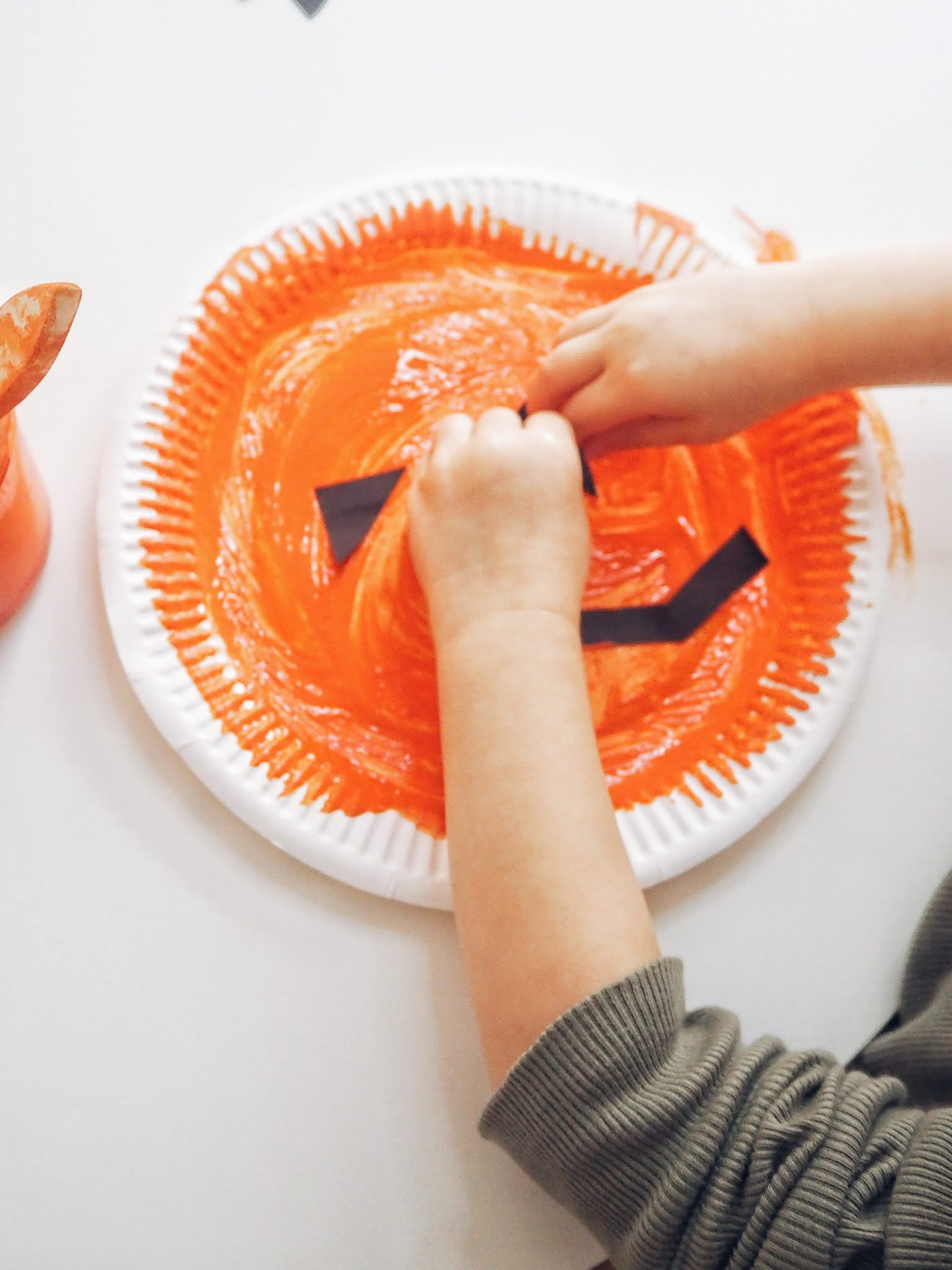 toddler pumpkin paper plate craft