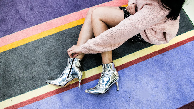 Fashion Blogger wearing silver ankle boots AW17
