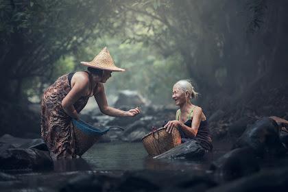 4 Kebiasaan Orang Indonesia yang Dinilai Kasar Di Negara Lain