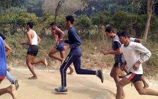 Jaunpur : मड़इया बाबा अखाड़े पर हुई दौड़ प्रतियोगिता