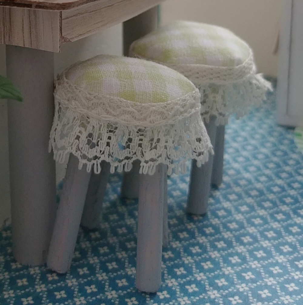 dollhouse bar stools