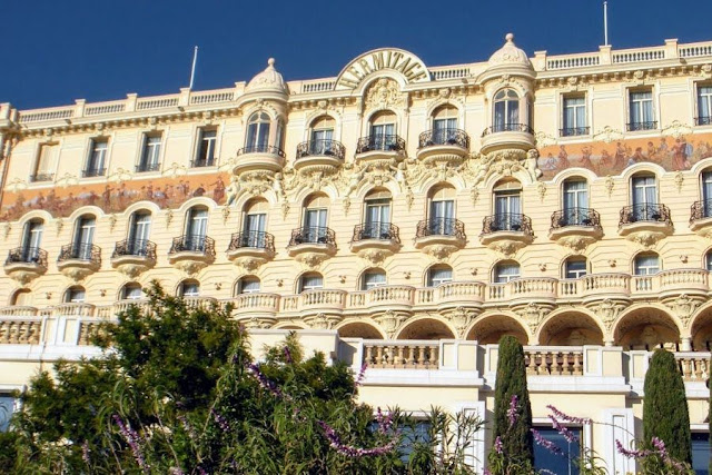 Nice to Monaco by Bus: Hermitage
