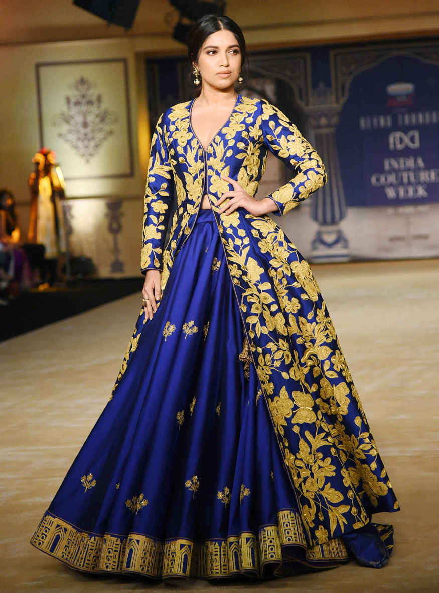 Athiya Shetty, Bhumi Pednekar at India Couture Week 2017