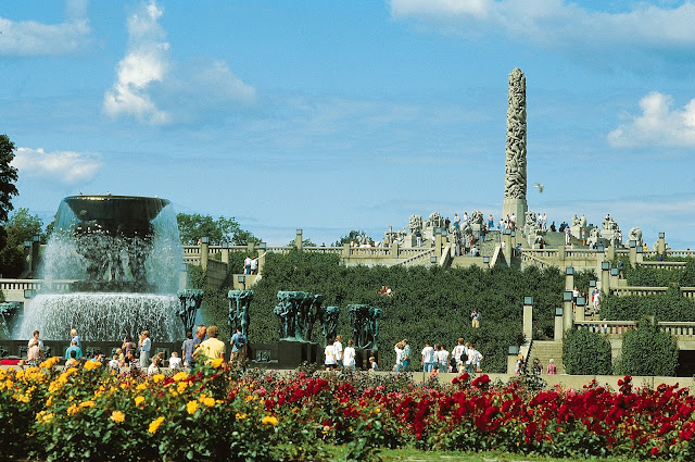 One of the sights that should be on all Oslo itineraries is Vigelandsparken or Vigeland Sculpture Park. Photo: Johan Berge - Visitnorway.com/Vigeland-museet/BONO. Unauthorized use is prohibited.
