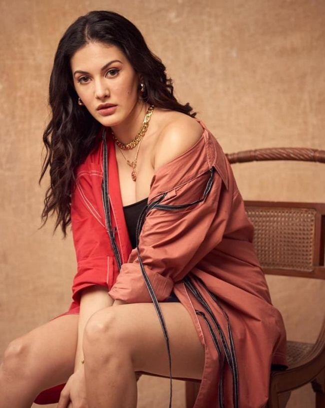 Actors Gallery: Amyra Dastur Amazing Pictures