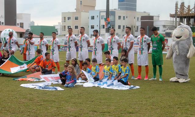 A Águas de Camboriú é o novo patrocinador do Camboriú Futebol Clube (CFC) fc0f200c72435