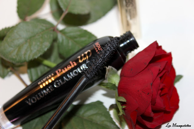 Mascara Bourjois Volume Glamour Push Up - Blog beauté Les Mousquetettes ©