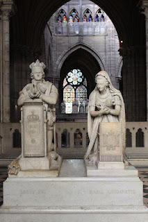 Memorial to Louis XVI and Marie Antoinette, sculptures by Edme Gaulle and Pierre Petitot in the Basilica of Saint-Denis