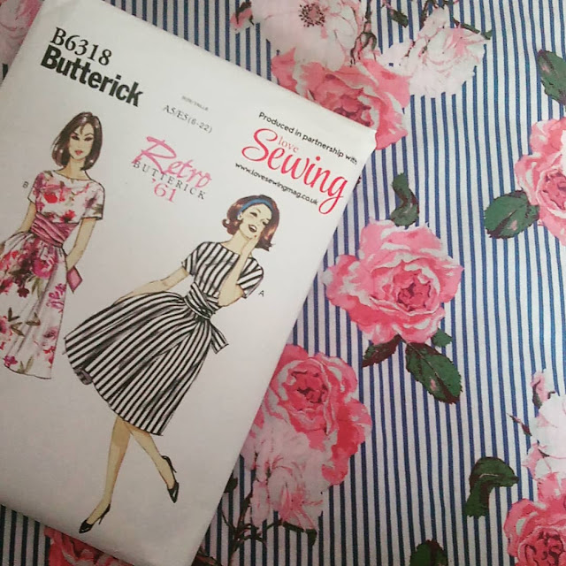 Butterick Retro tie-waist dress B6318