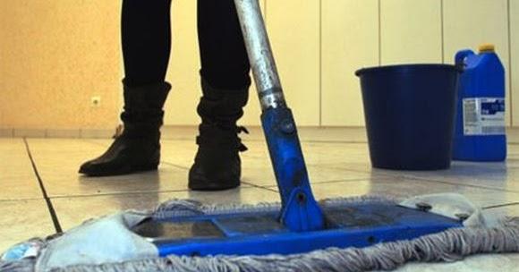Υπογράφονται οι συμβάσεις για τις καθαρίστριες σχολείων. | Νέα από ...