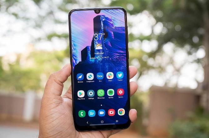 Samsung GALAXY A50 ANDROID 10 يعود مع واجهة المستخدم 2.0 ROLL OUT في الهند