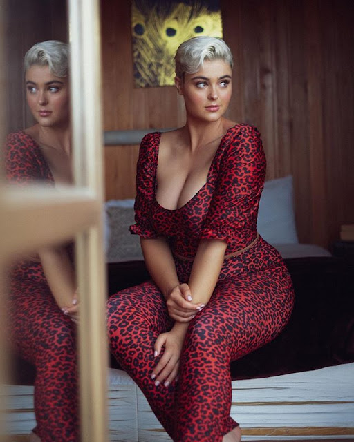 Stefania Ferrario Photos