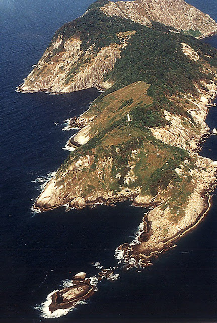 Island of Queimada Grande, Brazil - RictasBlog