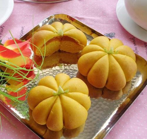 Bánh mỳ bí đỏ thơm ngọt