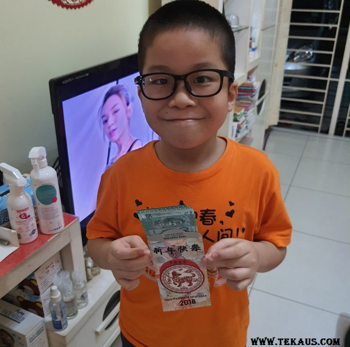 Jordan boy received Ang Pow Red Packet On His Birthday