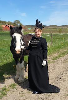 https://evashistoricalcostumes.blogspot.com/p/a-regency-riding-habit.html