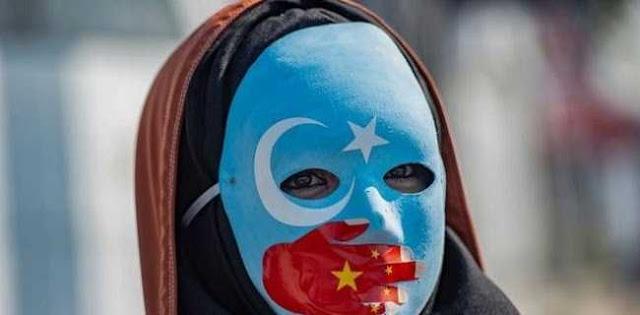 Miris, Wanita Uighur Harus Berbagi Ranjang Dengan Petugas Pemerintah Setelah Suami Mereka Ditahan