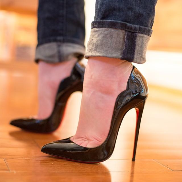 CHRISTIAN LOUBOUTIN HOT CHICK PATENT LEATHER - Reed Fashion Blog 754024e2944b