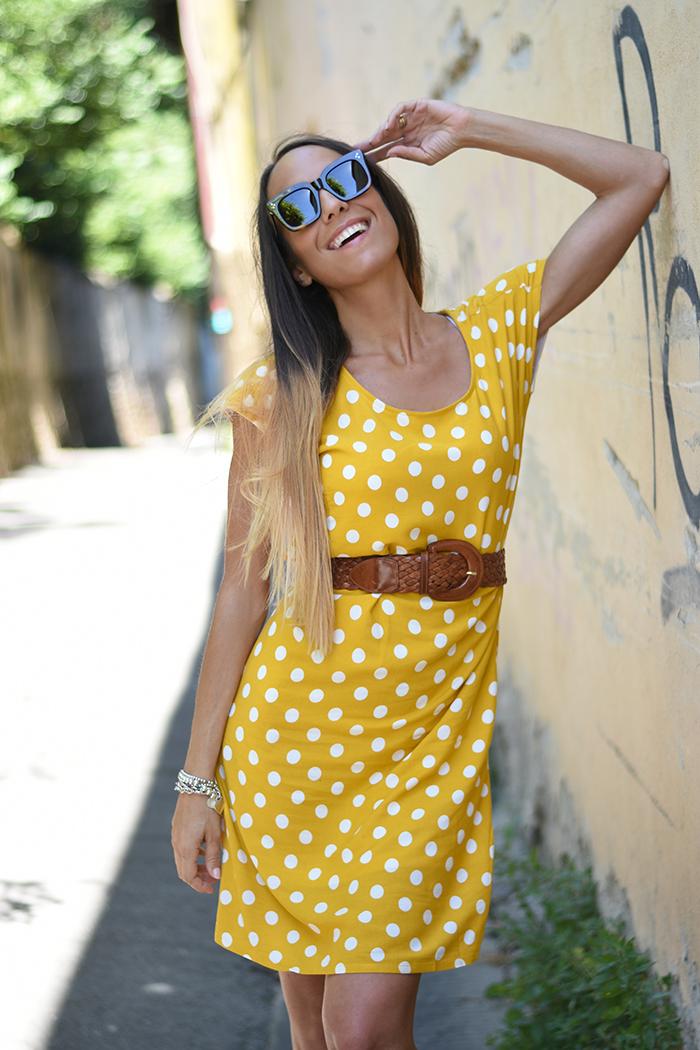 abito giallo pois