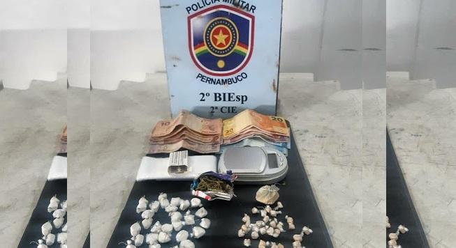 Policiais do 2°BIEsp prendem duas mulheres por tráfico de drogas em Petrolina-PE - Portal Spy