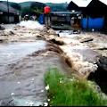 Hujan Deras Picu Banjir Dan Lonsor Di Kecamatan Cipanas
