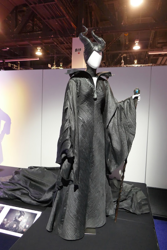 Angelina Jolie Maleficent 2014 film costume