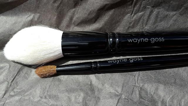 Wayne Goss Brushes 00 and 19 - www.modenmakeup.com