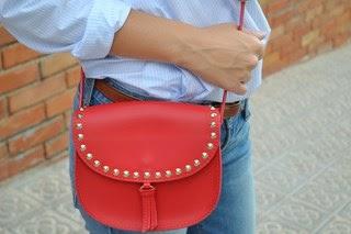 4 maneras de llevar... un bolso rojo