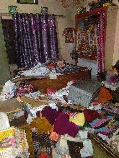 मिस्सरवाला में मकान में चोरी के बाद अस्त-व्यस्त पड़ा सामान। - फोटो : RISHIKESH