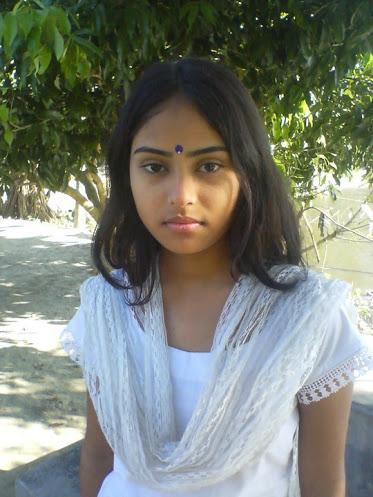 https://1.bp.blogspot.com/-Elm2vOqrS3c/UXEiuQmkAdI/AAAAAAAADj8/hErLBt58Xxg/s1600/deshi+girl_indian+beautiful+girl+(22).jpg