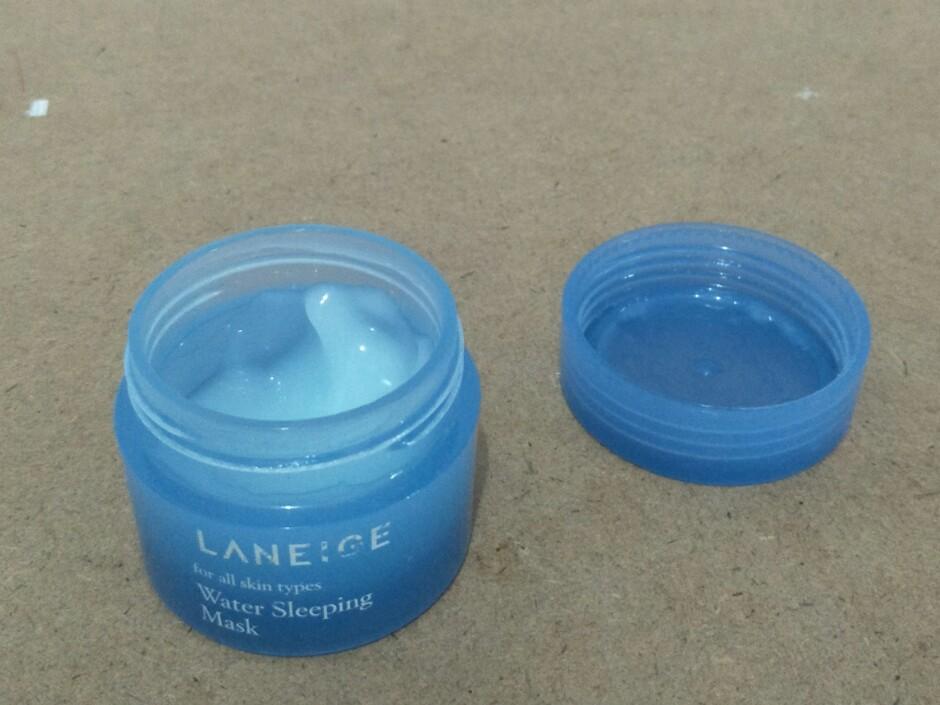 texture-laneige-sleeping-mask-biru